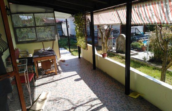 ID 746 Къща и лятна сграда в парцел 500м2, Халкидики, Неа Каликратия, 400м. от плажа