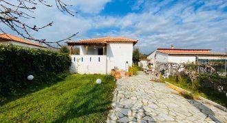 ID766 Къща в Неа Каликратия с гледка, на 350 м. от морето