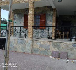 ID 870 Двуетажна къща с отделени етажи на 250м. от плажа на Неа Каликратия, Халкидики