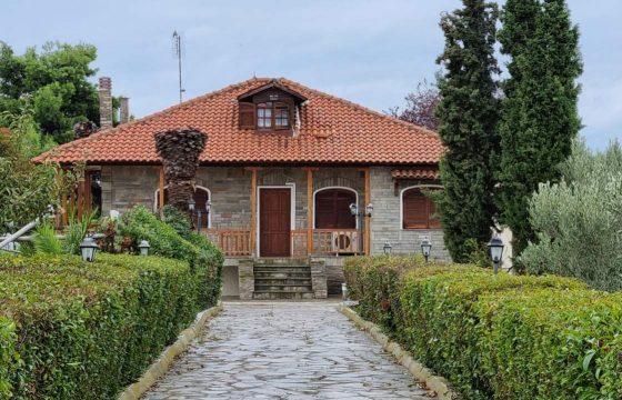 ID 917 Първа линия вила 240м2 с къща за гости 40м2, 6500м2 двор, Неа Ираклия, Халкидики