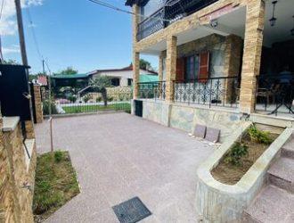 ID 922 Двуетажна къща с гледка на 50м. от морето в Неа Каликратия, Халкидики